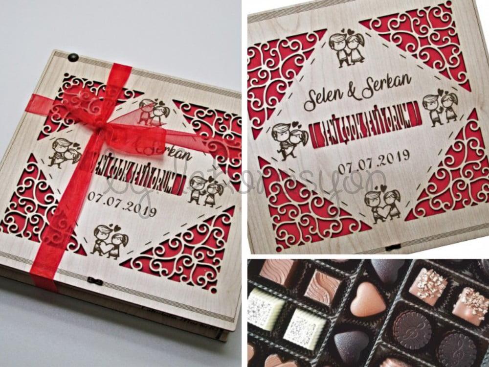 İsimli ve Tarihli Sevgili Figürlü Ahşap Kutulu Hediyelik Sevgili Çikolatası