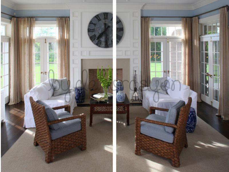Mavi-beyaz yazlık oturma odası dekorasyonu