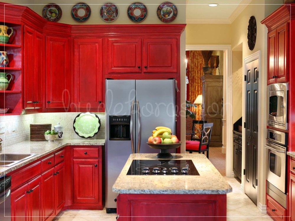 Kırmızının en eğlenceli olduğu alan da mutfak!